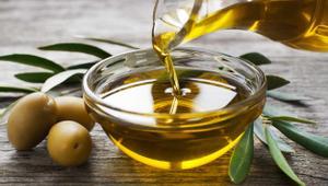 Olive oil hair masks for proper hair care