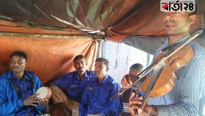 পথের বাউল রোকন, গানেই যার জীবিকা নির্বাহ
