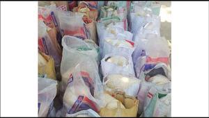 অসহায়দের বাড়িতে খাদ্যসামগ্রী পৌঁছে দিল ইবির 'তারুণ্য'