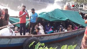 নারায়ণগঞ্জ থেকে নৌপথে দলে দলে মানুষ ফিরছেন পটুয়াখালীতে