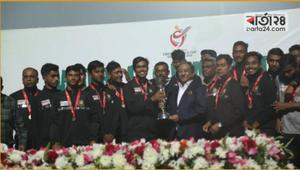 Young tigers get heroes' ovation at Sher-e- Bangla stadium