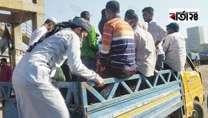 নরসিংদীতে পিকআপ-প্রাইভেট কারের দখলে মহাসড়ক