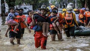 Powerful cyclone kills 42 in the Philippines