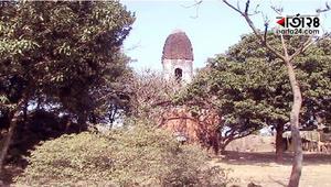 নওগাঁর ঐতিহাসিক আদ্যাবাড়ি মন্দিরটি  ধ্বংসের দ্বারপ্রান্তে