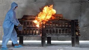 ভারতে ধর্ম-বর্ণ নির্বিশেষে কোভিডে মৃত সৎকার করছে তবলিগ জামাত