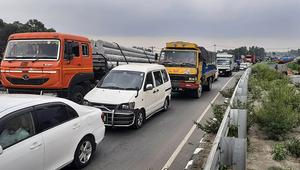ঢাকা-টাঙ্গাইলমহাসড়কে ৪০ কিলোমিটার যানবাহনের চাপ