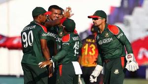 Bangladesh rout PNG to seal Super 12s spot