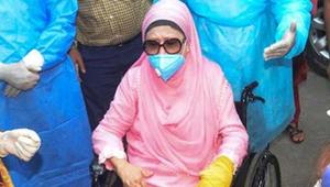 অসুস্থ খালেদা জিয়াকে দেখতে হাসপাতালে কোকোর স্ত্রী!