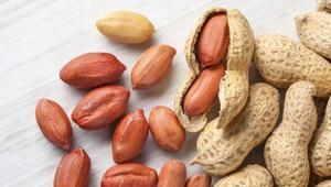 হৃদরোগ ও ডায়াবেটিসের ঝুঁকি কমায় চীনাবাদাম