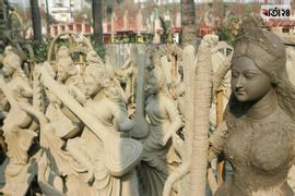 প্রতিবছরের মতো এবারও ঢাকা বিশ্ববিদ্যালয়ের (ঢাবি) ঐতিহ্যবাহী জগন্নাথ হলে মহাসাড়ম্বরে সরস্বতী পূজার আয়োজন করা হচ্ছে। ছবি : সুমন শেখ / বার্তা২৪.কম