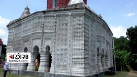 ঘুরে আসুন সাড়ে ৩০০ বছরের পুরাতন মন্দির