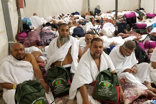 মুসলিম উম্মাহর সব পথ মিশে গেছে মিনায়