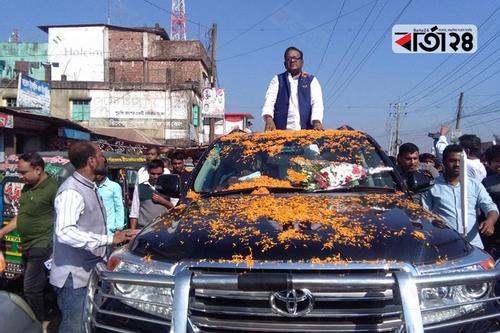 বিমানমন্ত্রীর 'রোডশোতে' ৩ ঘণ্টা যানজট