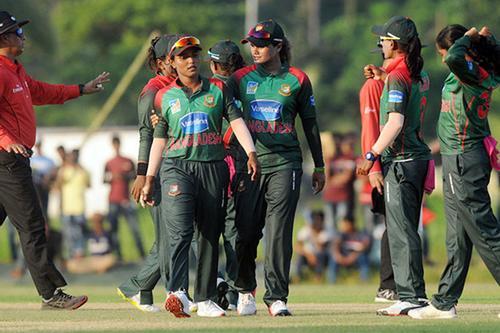 উল্টো যাত্রায় বাংলাদেশ নারী ক্রিকেট দল!