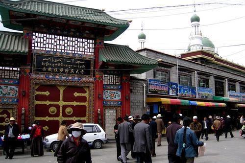 চীনের সবচেয়ে উঁচু স্থানের মসজিদ