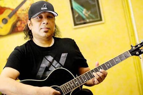 জনপ্রিয় সংগীতশিল্পী আইয়ুব বাচ্চু মারা গেছেন