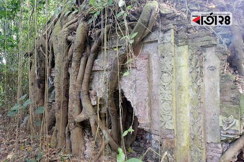 অযত্ন-অবহেলায় দেশের ছোট পুরাতন মসজিদ