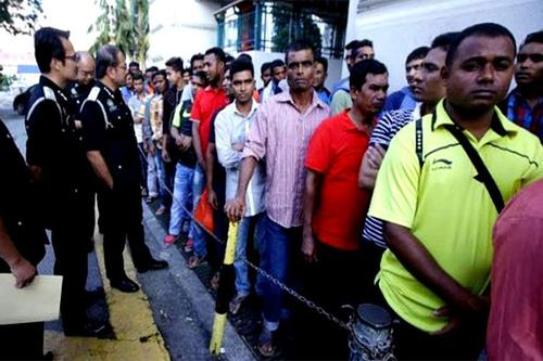 Fate of a large of Bangladeshi laborers uncertain in Malaysia