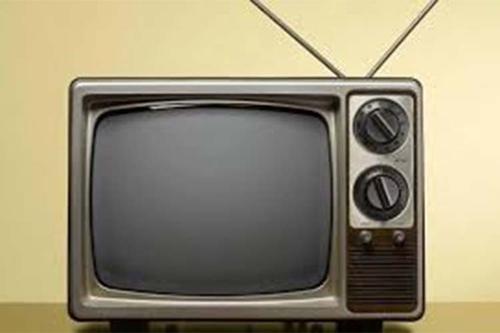 টেলিভিশনগুলোকে কি বাঁচানো যাবে