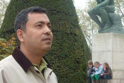 Six indicted in blogger Avijit Roy murder case