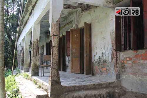 পটুয়াখালীতে ৩৯৮ প্রাথমিক বিদ্যালয় ঝুঁকিপূর্ণ