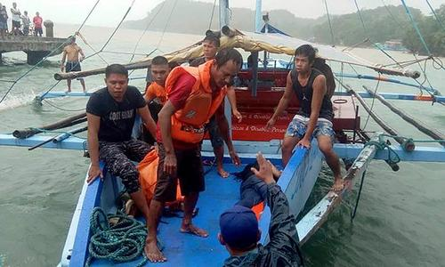 25 dead after boats capsized in Philippines