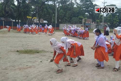 হাজীগঞ্জে ২১০ শিক্ষাপ্রতিষ্ঠান পরিচ্ছন্ন রাখার ঘোষণা