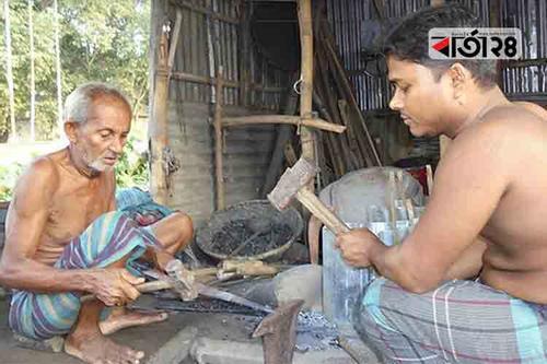 শেষ মুহূর্তে দম ফেলার সময় নেই কুমিল্লার কামারদের