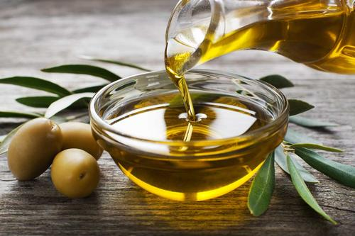 Olive oil hair masks for proper hair care