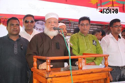 'ঘাতকদের হাত থেকে আল্লাহ শেখ হাসিনাকে রক্ষা করেছেন'