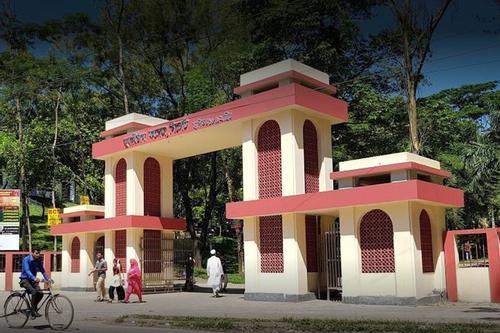 খুলেছে এমসি কলেজ, সংঘর্ষের আশঙ্কায় বন্ধ ছাত্রাবাস
