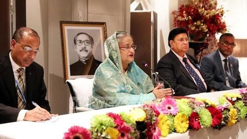 PM urges on united efforts to face climatic change