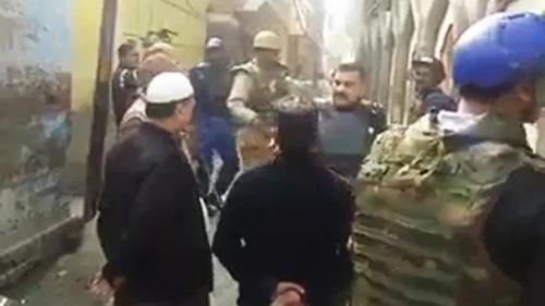 'সিএএ খারাপ লাগলে পাকিস্তান চলে যাও'
