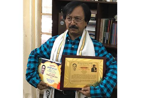 সাইফুল্লাহ মাহমুদ দুলালের আন্তর্জাতিক রূপসী বাংলা পুরস্কার লাভ