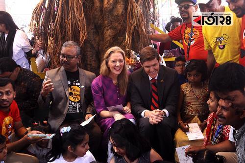বইমেলায় হালুম, ইকরি, টুকটুকির সঙ্গে আমেরিকার রাষ্ট্রদূত