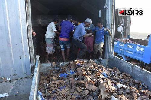 ১৩০ কনটেইনার ফল ধ্বংস করেছে চট্টগ্রাম কাস্টম