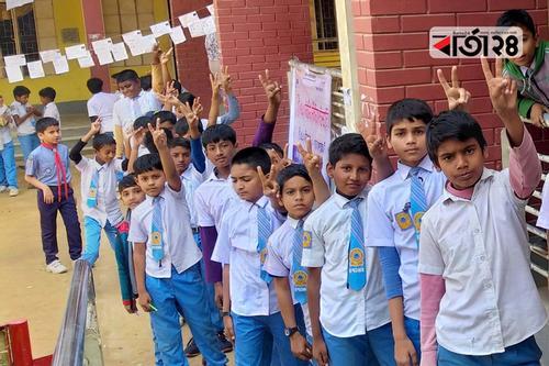 রাজশাহীর স্কুলে স্কুলে ক্ষুদে শিক্ষার্থীদের ভোট উৎসব