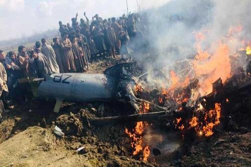 ভারতের দু'টি যুদ্ধবিমান বিধ্বস্ত করলো পাকিস্তান