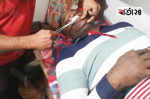 বাগেরহাটে দুর্বৃত্তদের হামলায় আ'লীগ নেতা আহত