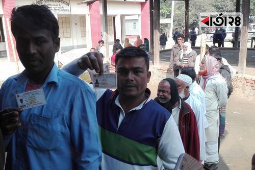 ব্রাহ্মণবাড়িয়া-২: এনআইডি ছাড়া ভোট দিতে পারছে না ভোটাররা
