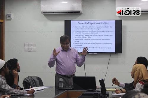 জাবি'তে ক্লাস নিলেন তথ্যমন্ত্রী