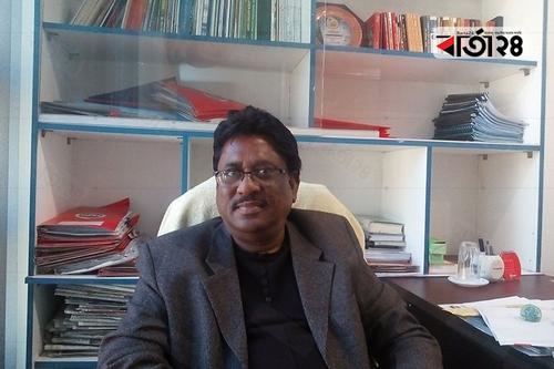 'রুধিবি কি দিয়া সাগর জোয়ার আকাশে যখন উঠেছে চাঁদ'