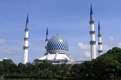 মালয়েশিয়ার সর্ববৃহৎ মসজিদ