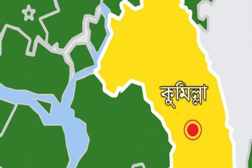 কুমিল্লায় খালের ওপর নির্মিত অবৈধ স্থাপনা উচ্ছেদ