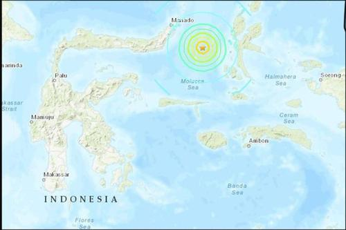 Tsunami warning in Indonesia