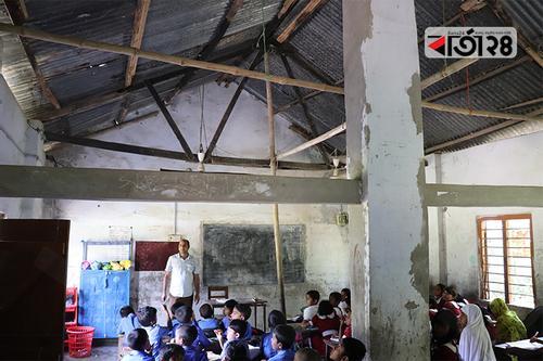 ১৪৭টি বিদ্যালয়ের ঝুঁকিপূর্ণ ভবনে চলছে পাঠদান