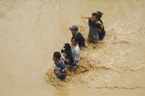 চীনে বন্যা: নিহত ৬১, ক্ষতিগ্রস্ত ২ কোটি