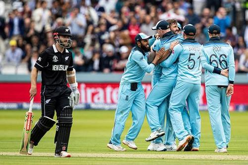 England require 242 to win the World Cup
