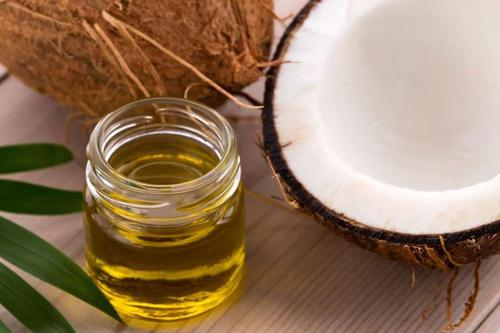 Coconut oil for proper hair care