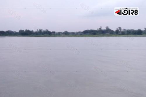 ভুঞাপুরে কমতে শুরু করেছে যমুনার পানি